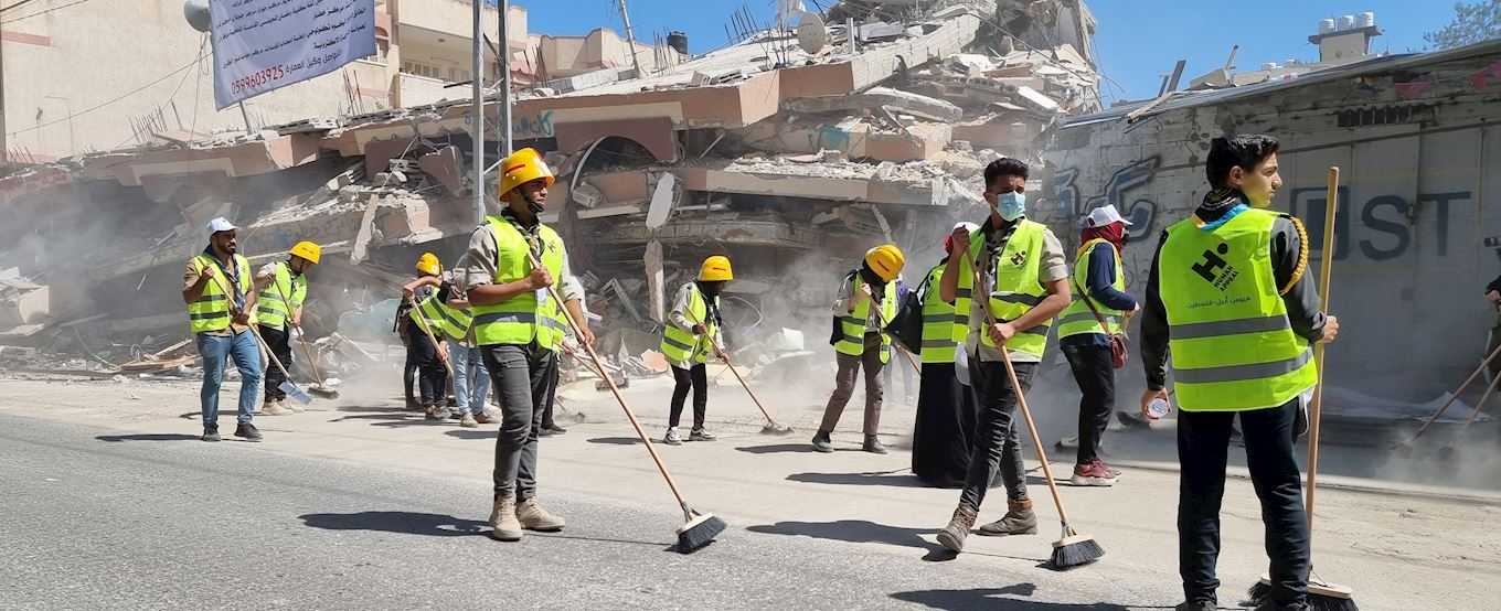 Cleaning the streets of Gaza